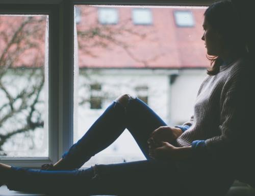 Como se livrar de pensamentos e sentimentos perturbadores?